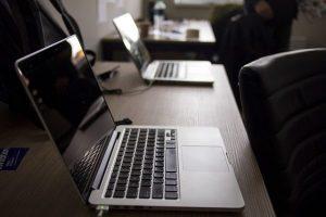 laptops-2230826_640